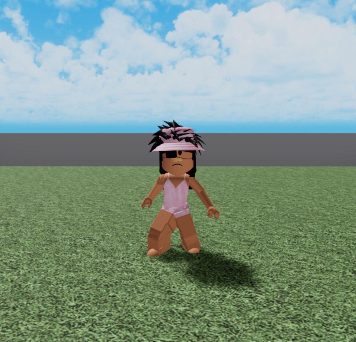 User Sunnyalbertfan In 2020 Roblox Hats Avatar