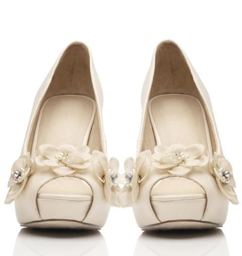 Hart Corsage Platform by Forever New