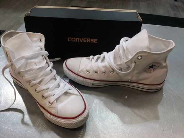 Nothing is more classic than a pair of crisp, white #Converse #ChuckTaylors! These bad boys give any outfit its own signature style & they go from season to season without flaw – Find them at #PlatosClosetBrampton! #cons #chucksonwithsaintlaurent | www.platosclosetbrampton.com
