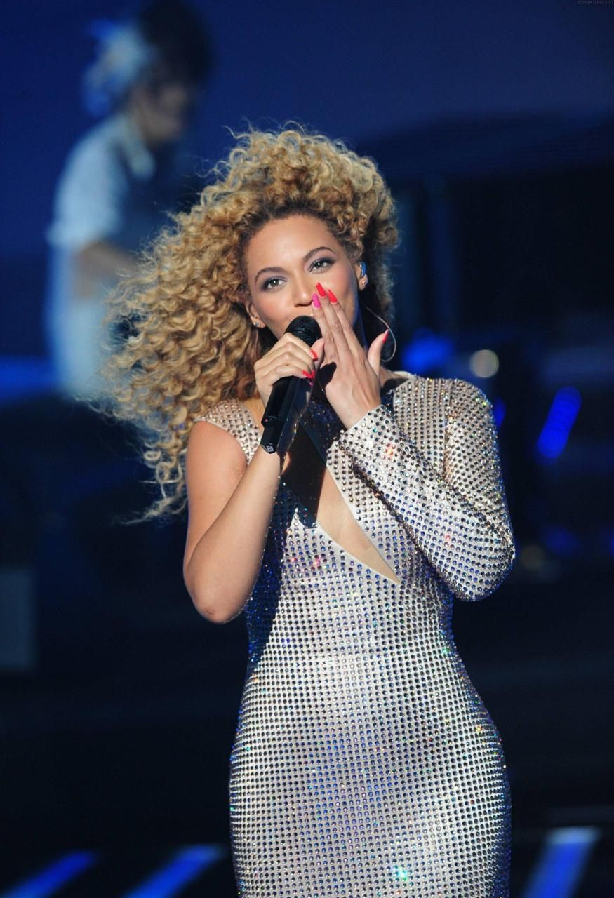 Beyonce Perfoming Best Thing I Never Had Live At X Factor France