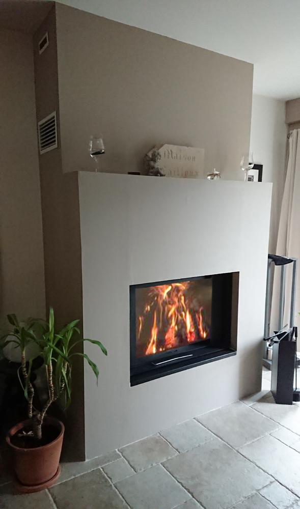 Stuv 22 90 By Concept Flamme Installateur Poele Et Cheminee A Dijon Stuv Stuv Cheminee Fireplace Woodburning Architectur Poele A Bois Maison