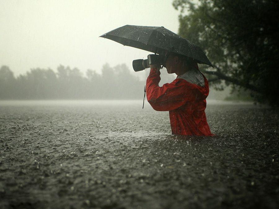 Photographer in the rain | Rain photography, Beautiful photography, Photo