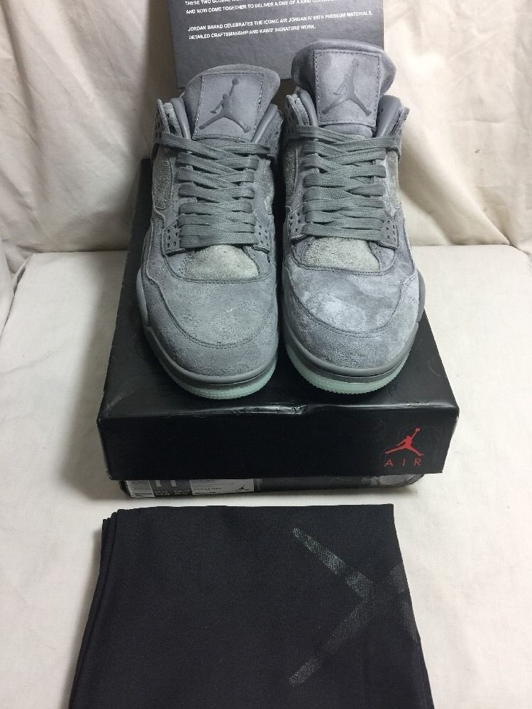 2017 Nike Air Jordan 4 Retro KAWS SZ 11 Cool Grey Suede White Glow 930155- 0f6ca132a