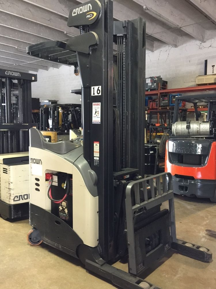 Rr 5700 fc 4500 crown forklifts outstanding american products 2012 crown rd5725 30 3000 lbs double reach forklift fandeluxe Image collections