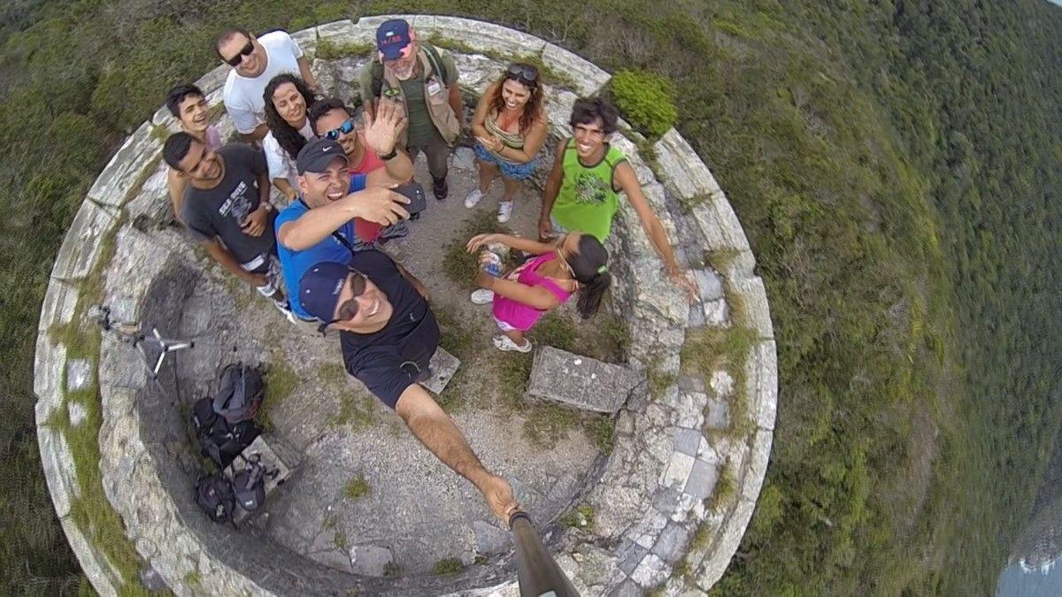 Trilha Do Farol Velho Na Ilha Do Farol Em Arraial Do Cabo Rj