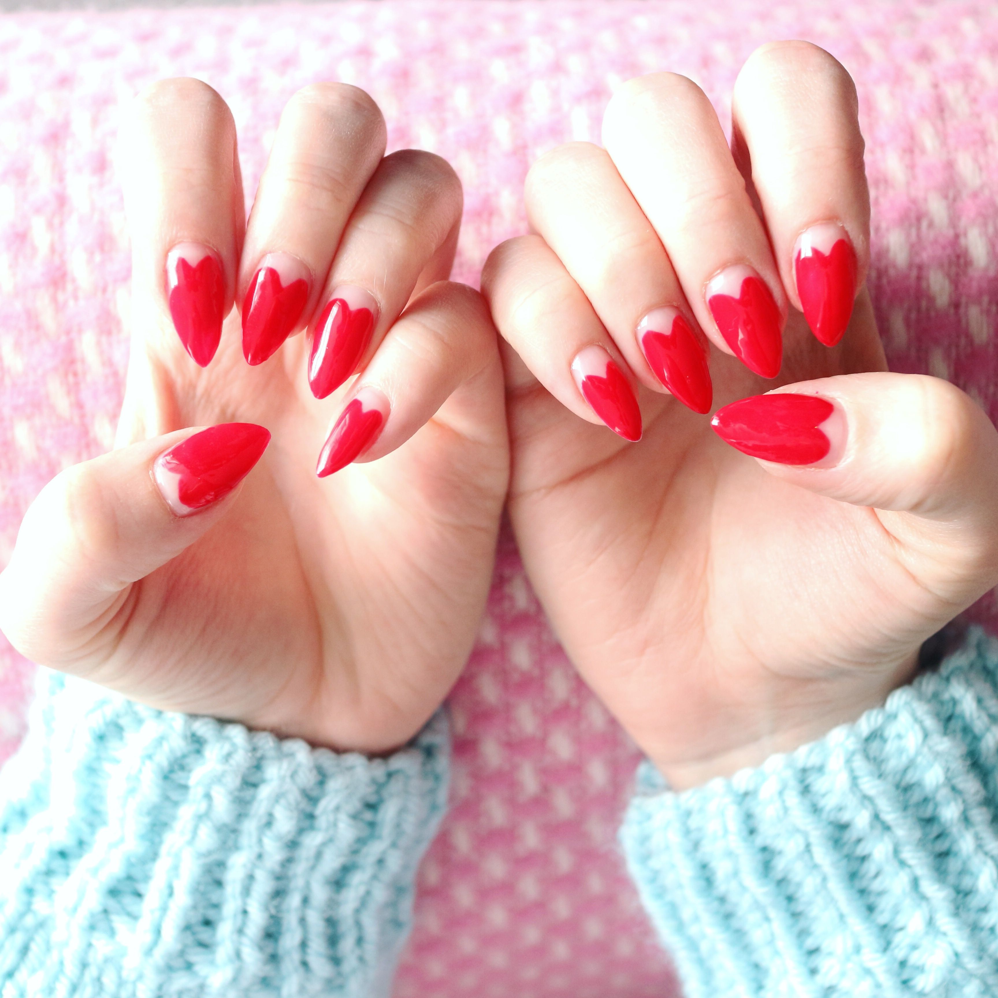 30 Lovely Valentine S Day Nails Claws Paws Heart Nails