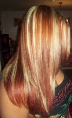 Red Hair With Chunky Blonde Highlights Land In Nails Red Hair With Blonde Highlights Hair Styles Beautiful Blonde Hair