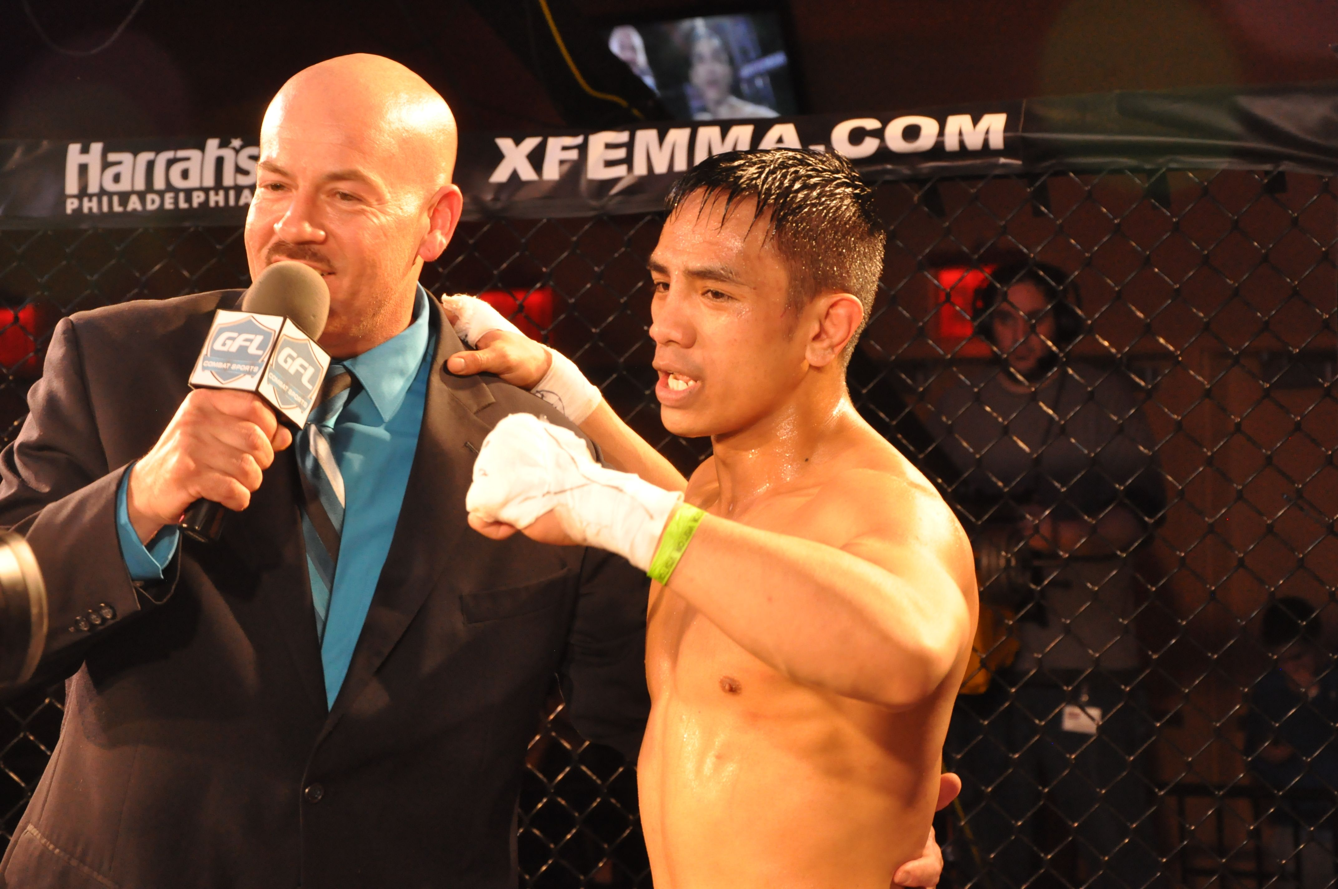 Xfe Cage Wars 20 Pro 125lb Fighter Drew Aguilar Http Www Facebook Com Pages Xfe Cage Wars 239870506054351 Mma Fighters Mma Fighter