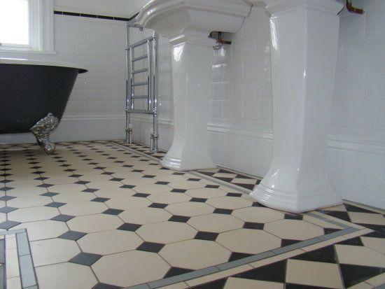 Diy Victorian Vintage Bathroom Decorating  Yahoo Voices  Voices Prepossessing Flooring For Bathrooms Design Ideas