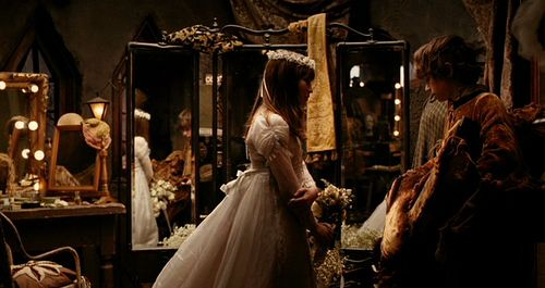 Emily Browning As Violet Baudelaire A Series Of Unfortunate Events Wedding Scene