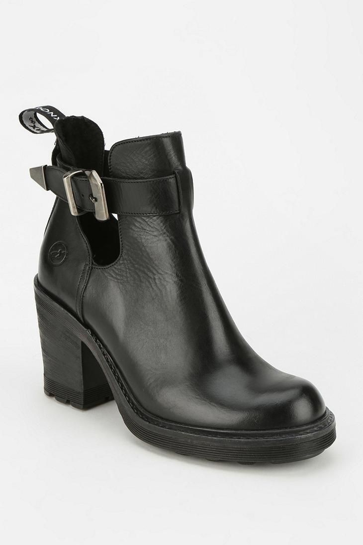 af61dac1 Bronx Hang Tough Cutout Ankle Boot #urbanoutfitters | Shoes | Botas ...
