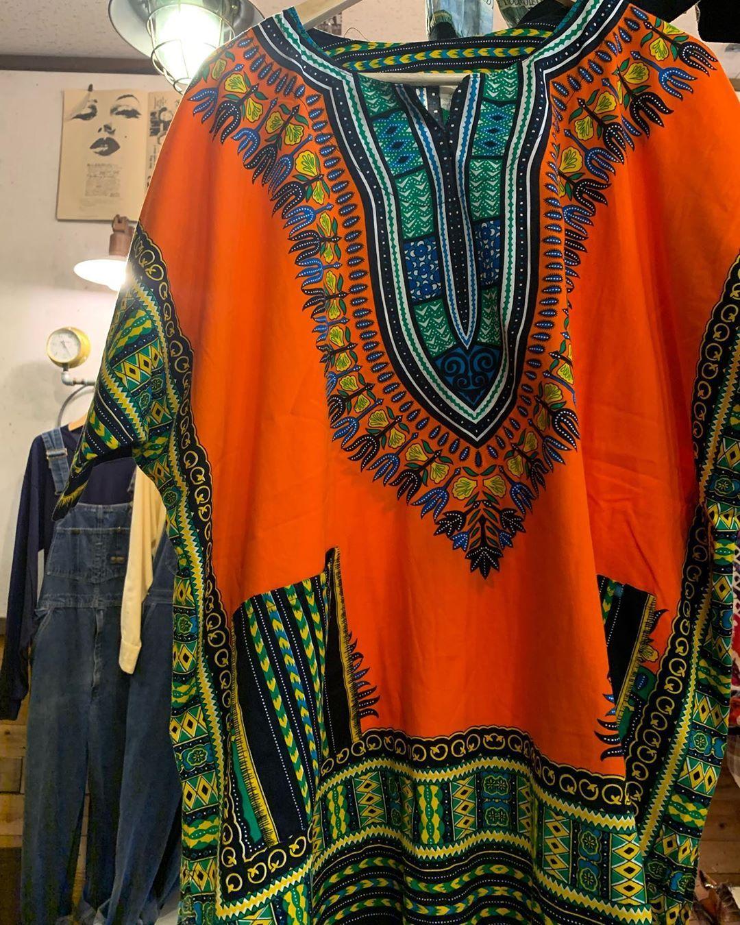 new arrival . pullover African Batik shirt . 着るだけでアフリカを感じれるアイテム(?) デザイン違いでメンズ・レディースあります! 問い合わせ等は DMからお願いします! #古着屋CORK#okinawa#沖縄#古着屋#古着屋コルク#used#古着#vintage#普天間#宜野湾#leather#leatherWORK#boab#レザー#handmade#ハンドメイド#リペア#カスタム #レディース