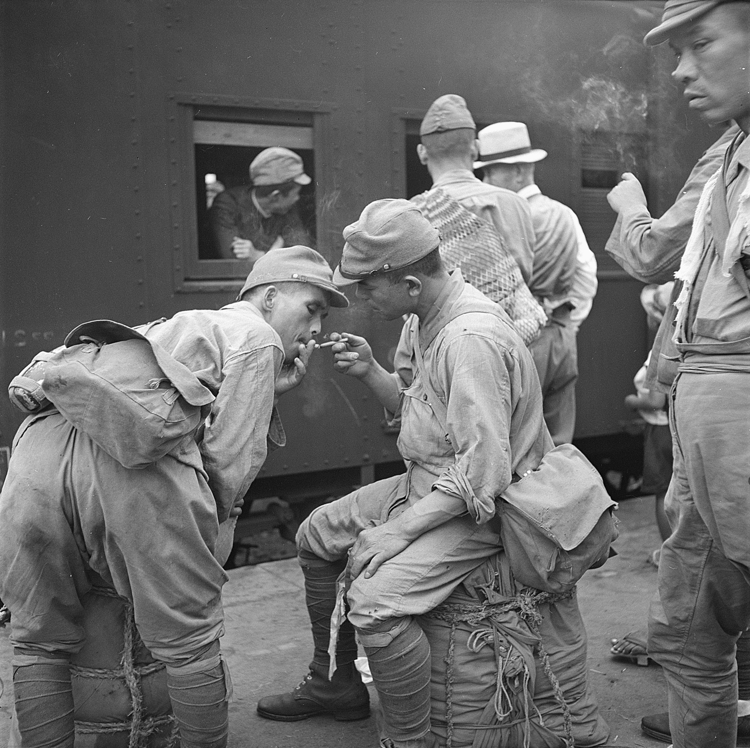 Demobbed japanese soldiers at the hiroshima train station for Domon ken hiroshima