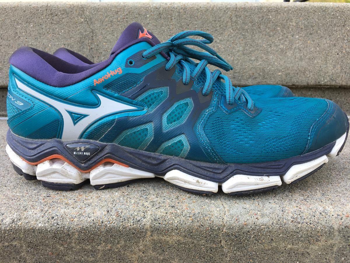 mizuno cushioned shoes