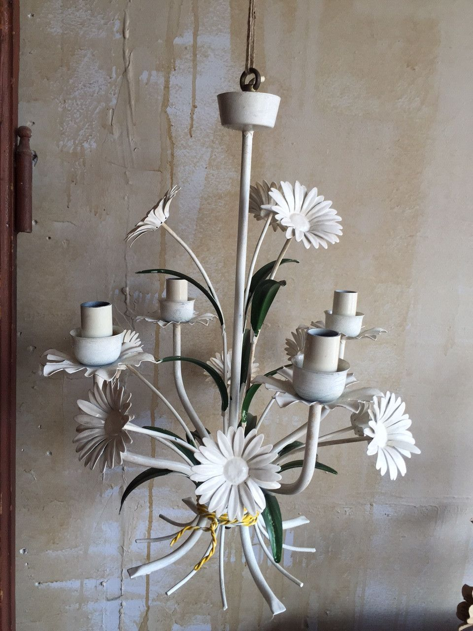 Vintage tole chandelier with daisies this vintage tole chandelier vintage tole chandelier with daisies this vintage tole chandelier is a bouquet of daisies and has four lights the colors are vibrant and the fixture is arubaitofo Image collections