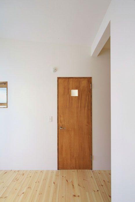 空を見上げる家 Hughome おしゃれ ドア 家 室内ドア