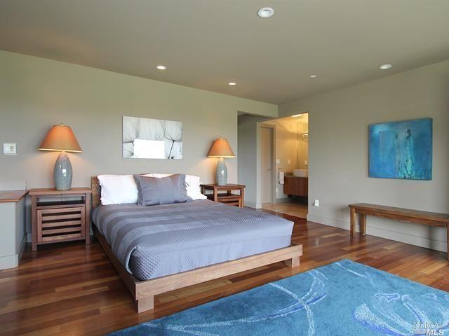 #DesignandArchitecture #DA #architecture #architecturedesign #modernhome #luxuryhome #luxuryliving #modernliving #modernmasterbedroom #masterbedroom #bedroom  ⭐ Tag your friends ____________________________________________ ⭐ Like ⭐Follow ⭐Share