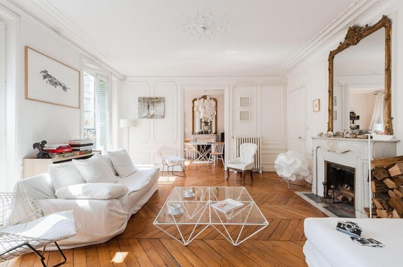 59 Parisian Living Rooms To Make You Swoon In 2020 Parisian Living Room Parisian Apartment Decor Paris Living Room Decor #parisian #themed #living #room