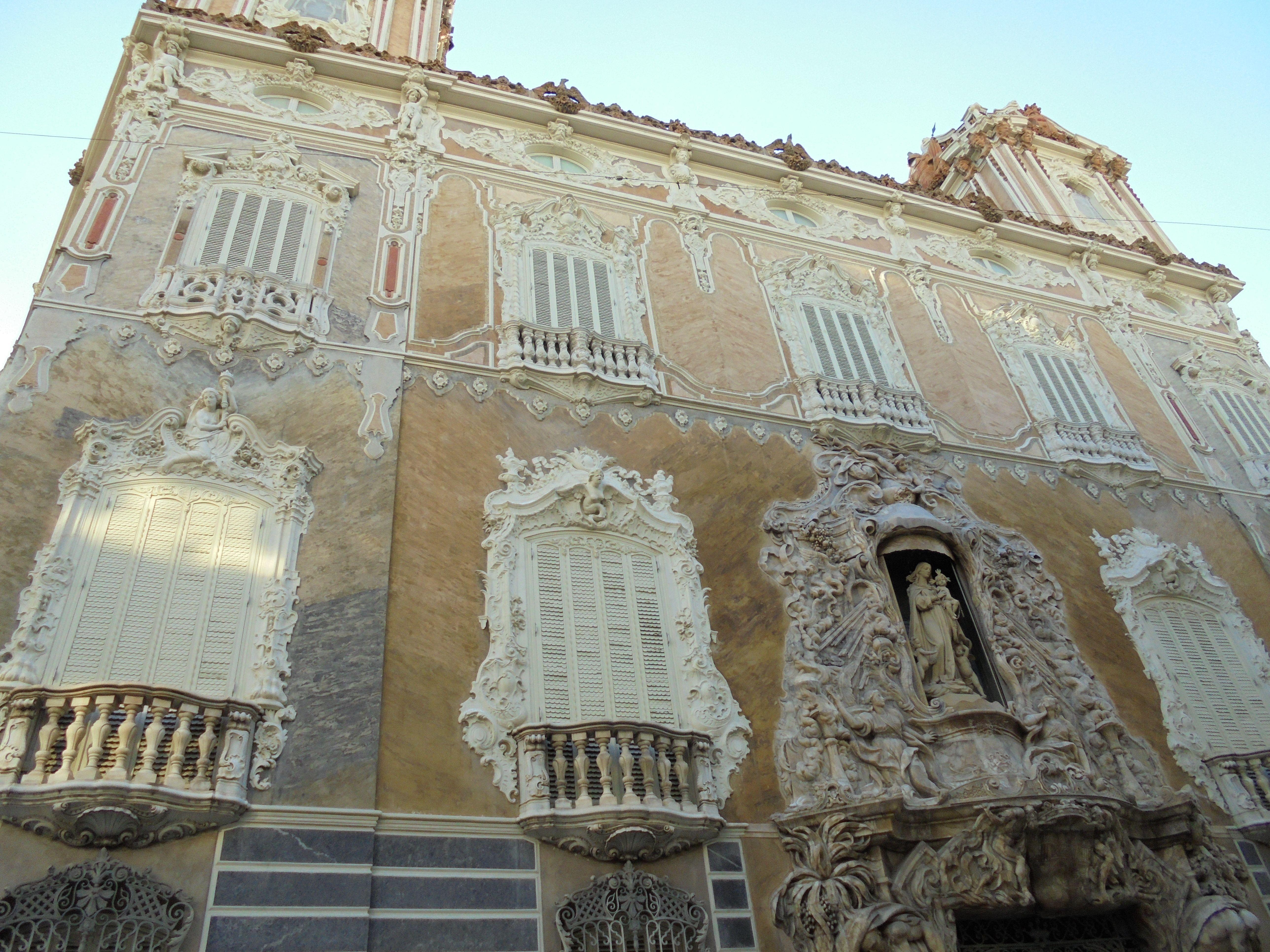 façade del palacio