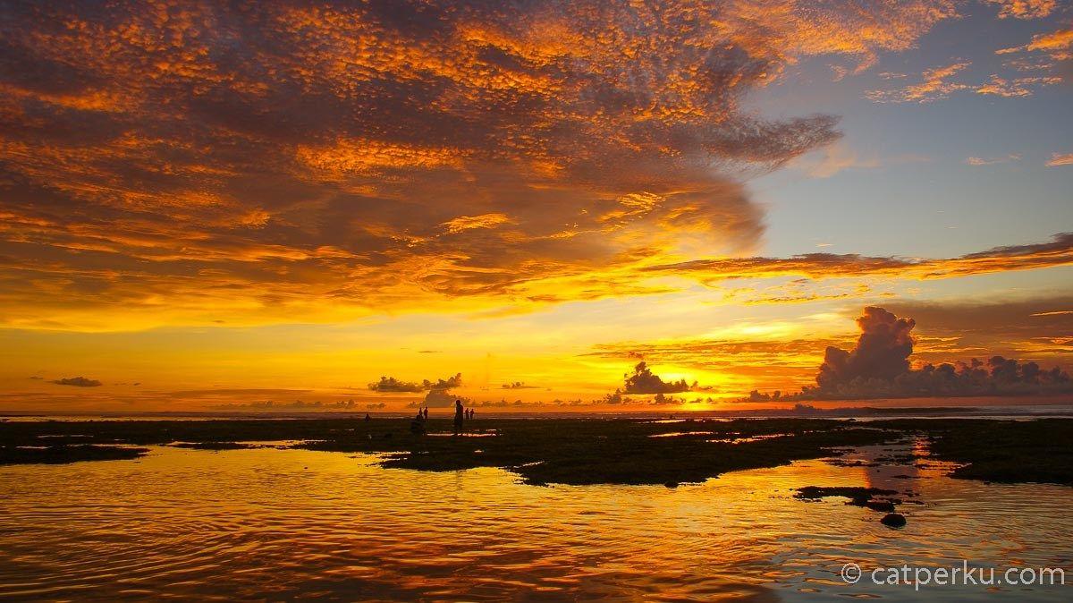 5 Pantai Dengan Pemandangan Sunset Terbaik Di Bali Catperku Travel Blogger Indonesia Bali Selalu Dikenal Dengan Pemandangan Pantai Gedung Pencakar Langit