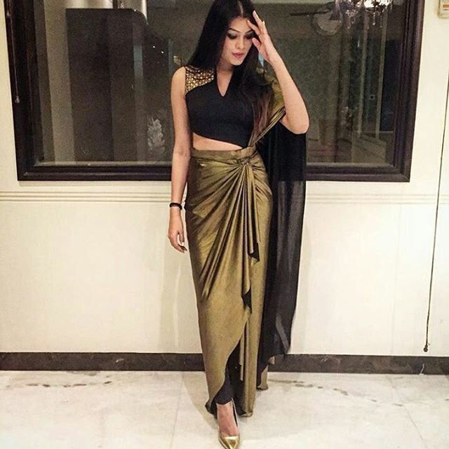 9abd4ea5d95f0 we love this assymetric fusion  ootd on  shruthikathpal New Saree Blouse  Designs