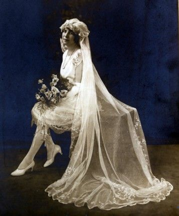 Coco chanel introduced the short wedding dress in the for Coco chanel wedding dress