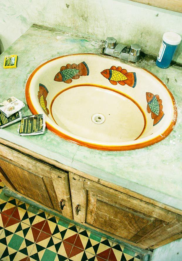 Rustic Mexican Bathroom Amazingness-Get the look.