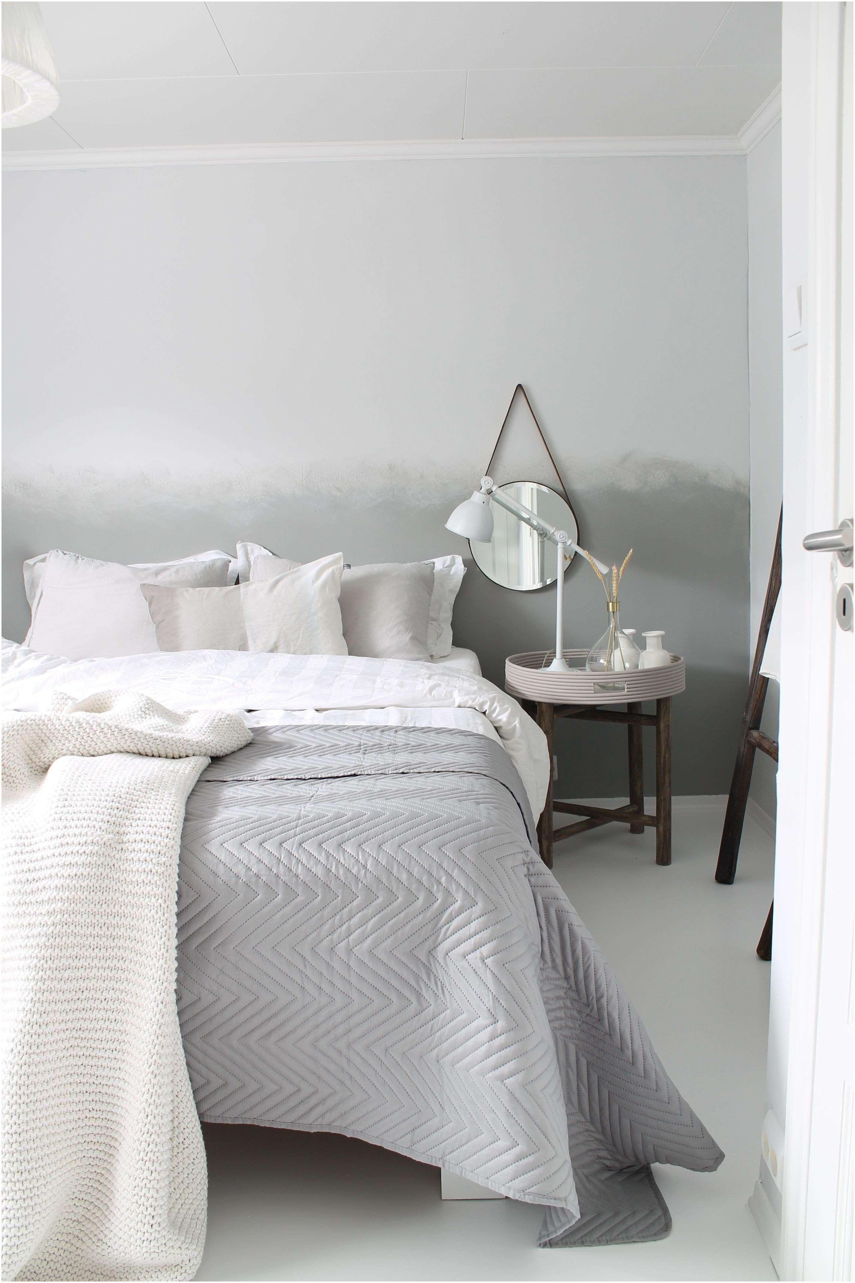 Black And White Bedroom Decor Elegant 39 Luxury Gray And White Bedroom Ideas White Bedroom Decor Traditional Bedroom Sets White Wood Bedroom Furniture