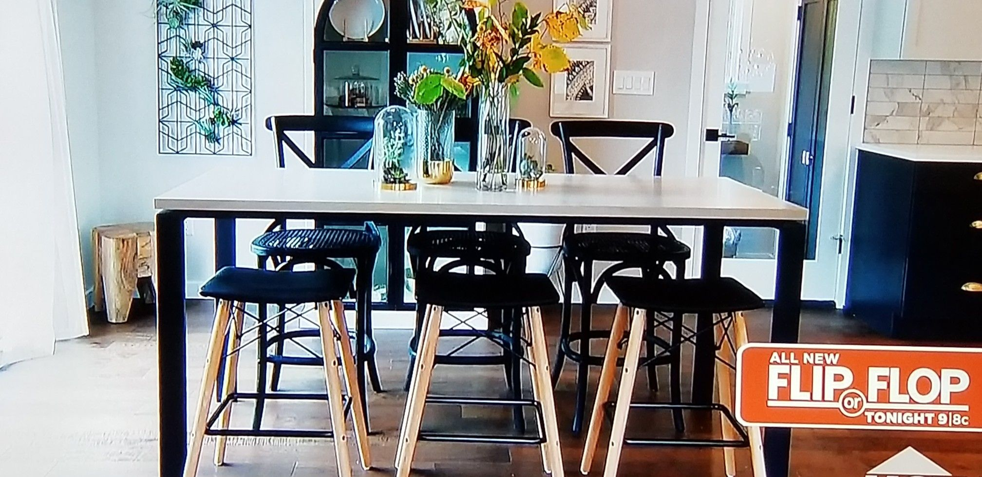 I Like The Dining Table With The Bar Stool Short