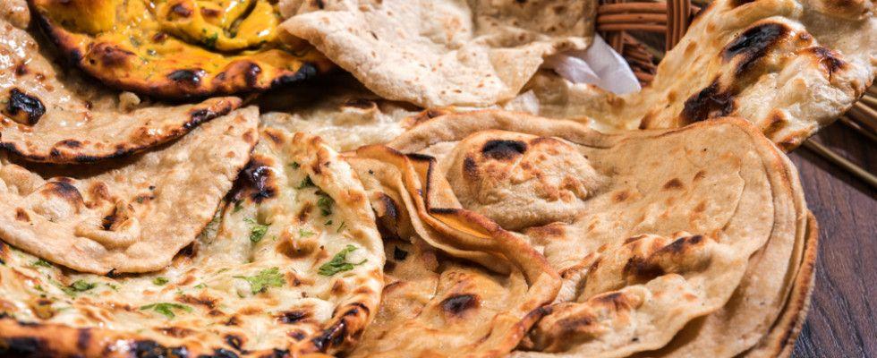 Ricetta Per Naan Pane Indiano.9 Tipi Di Pane Indiano Che Dovresti Assaggiare Pane Indiano Idee Alimentari Roti