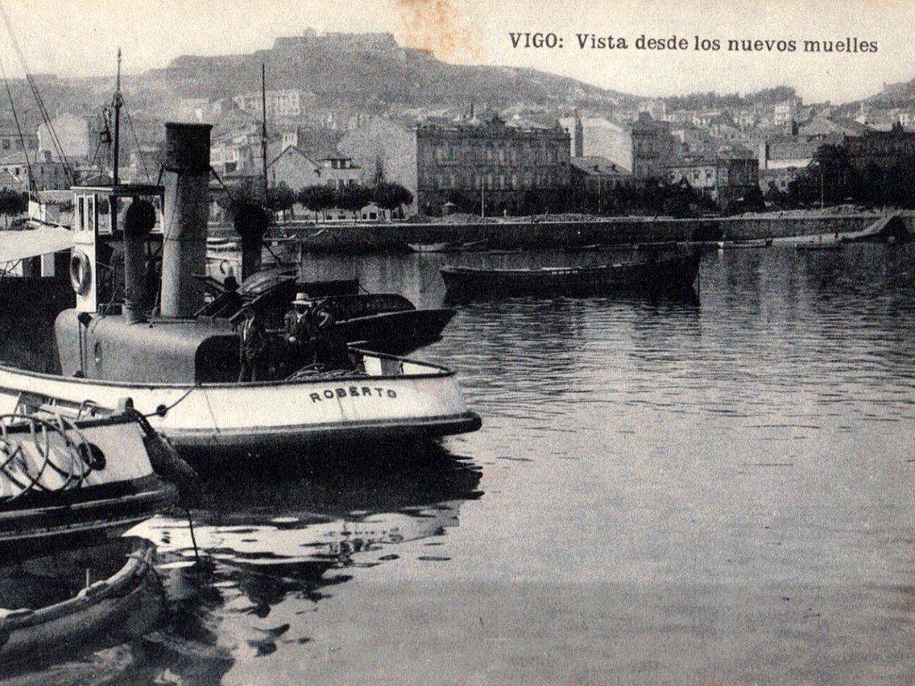 Novos peiraos, co Castro ao fondo
