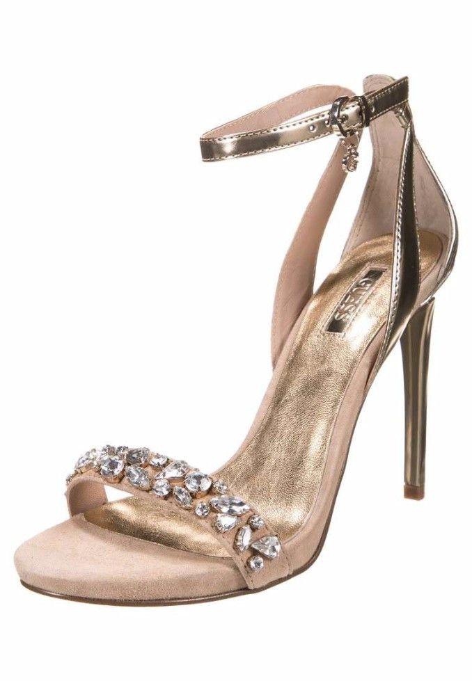 1b37b66a7fc732 Sandalo gioiello color nude con pietre, braccialetto alla caviglia e tacco  a spillo di color