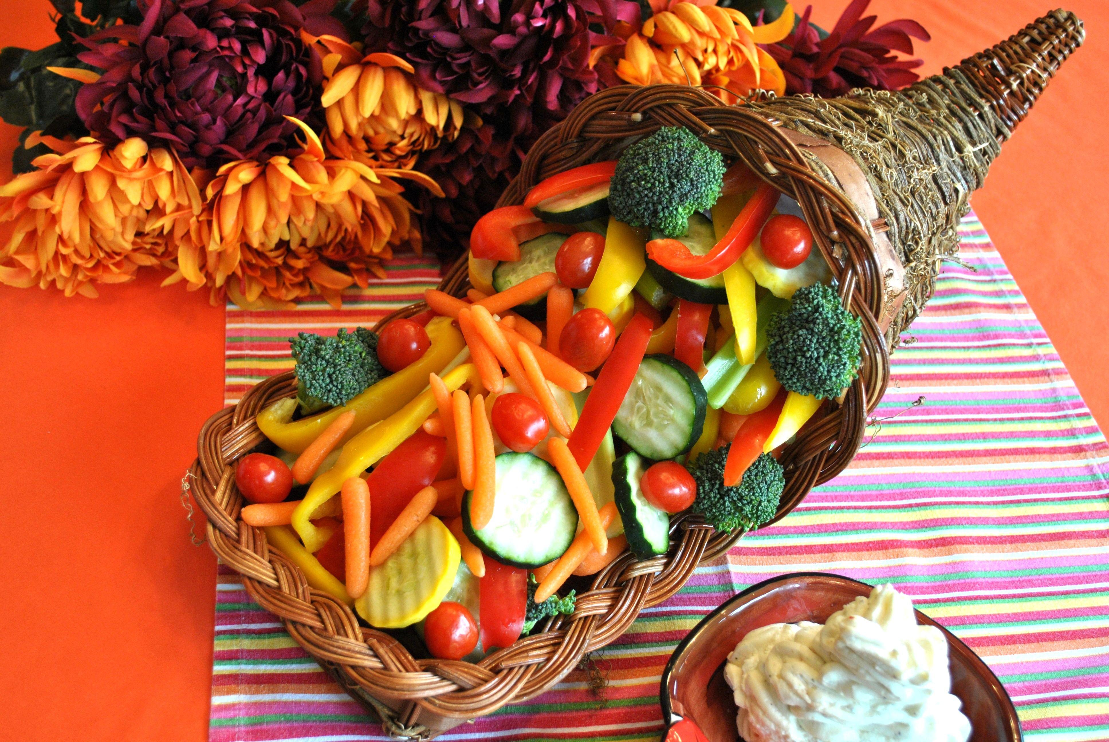 Serve Up This Veggie Cornucopia Appetizers Table Cornucopia Basket Appetizers