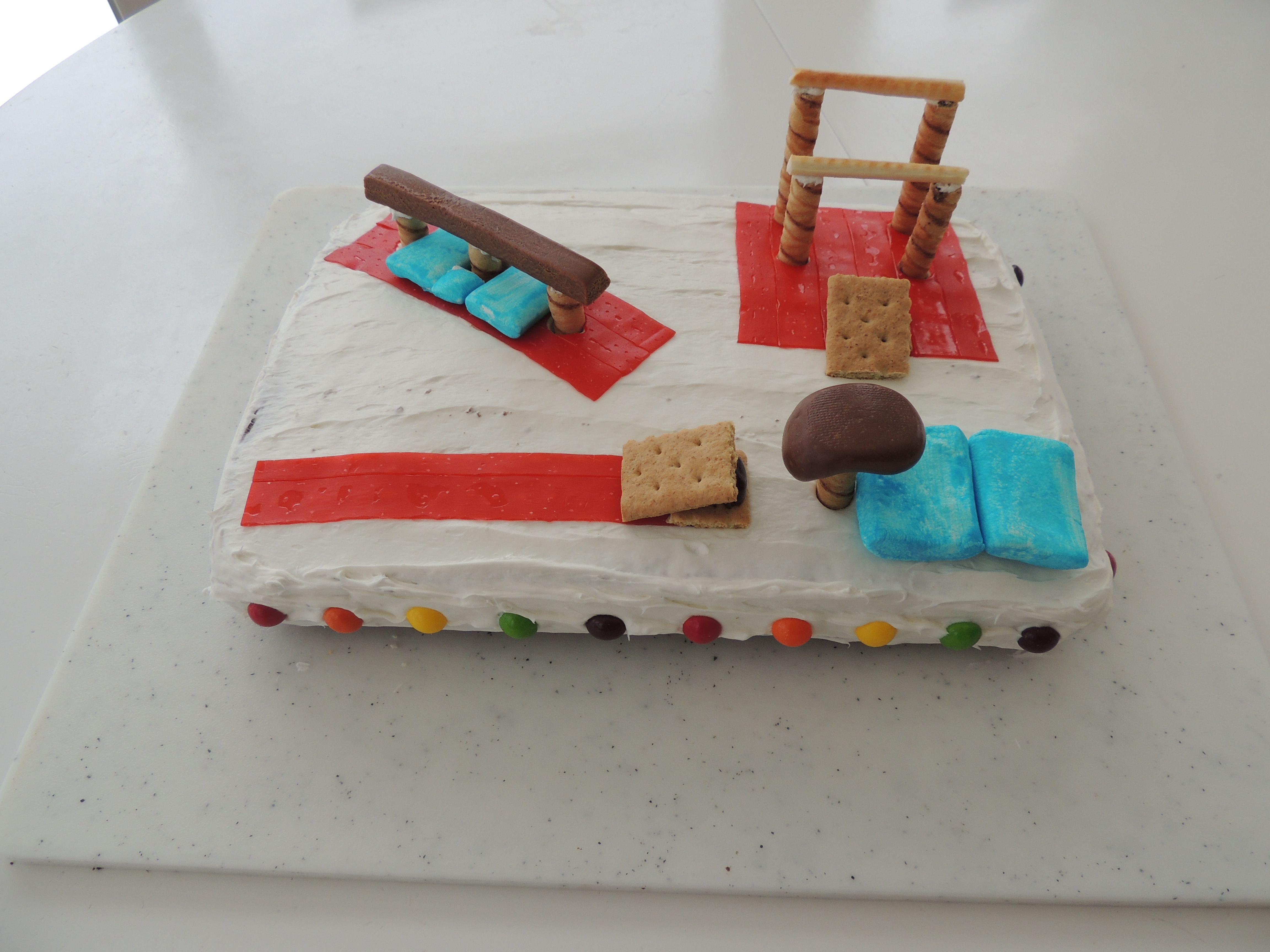 Gymnastics cake with beam bars and vault essen pinterest for Kuchenstudio essen