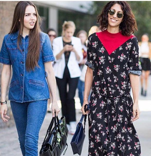Long sleeves flowers dress. Plastron