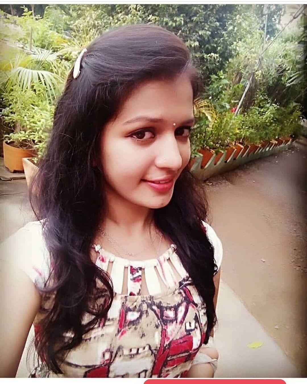 Follow Most Beautiful Girl At Thedemodakudi Insta Selfie Love