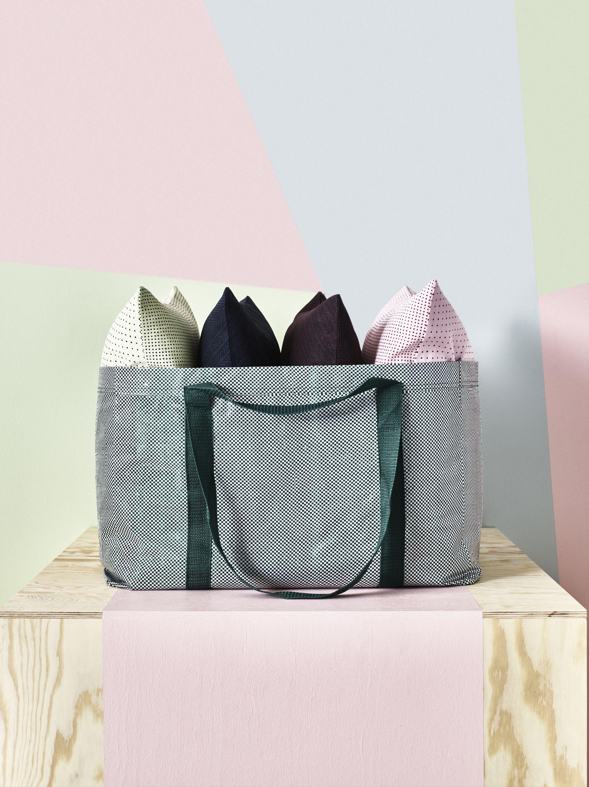 Ikea Produkte mette hay über ihre neuinterpretation der ikea frakta tasche sie