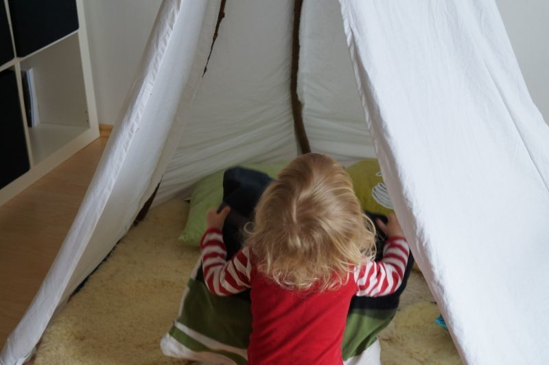 wir bauen uns ein tipi kinderzimmer einrichten und diy ideen pinterest kinder zimmer. Black Bedroom Furniture Sets. Home Design Ideas