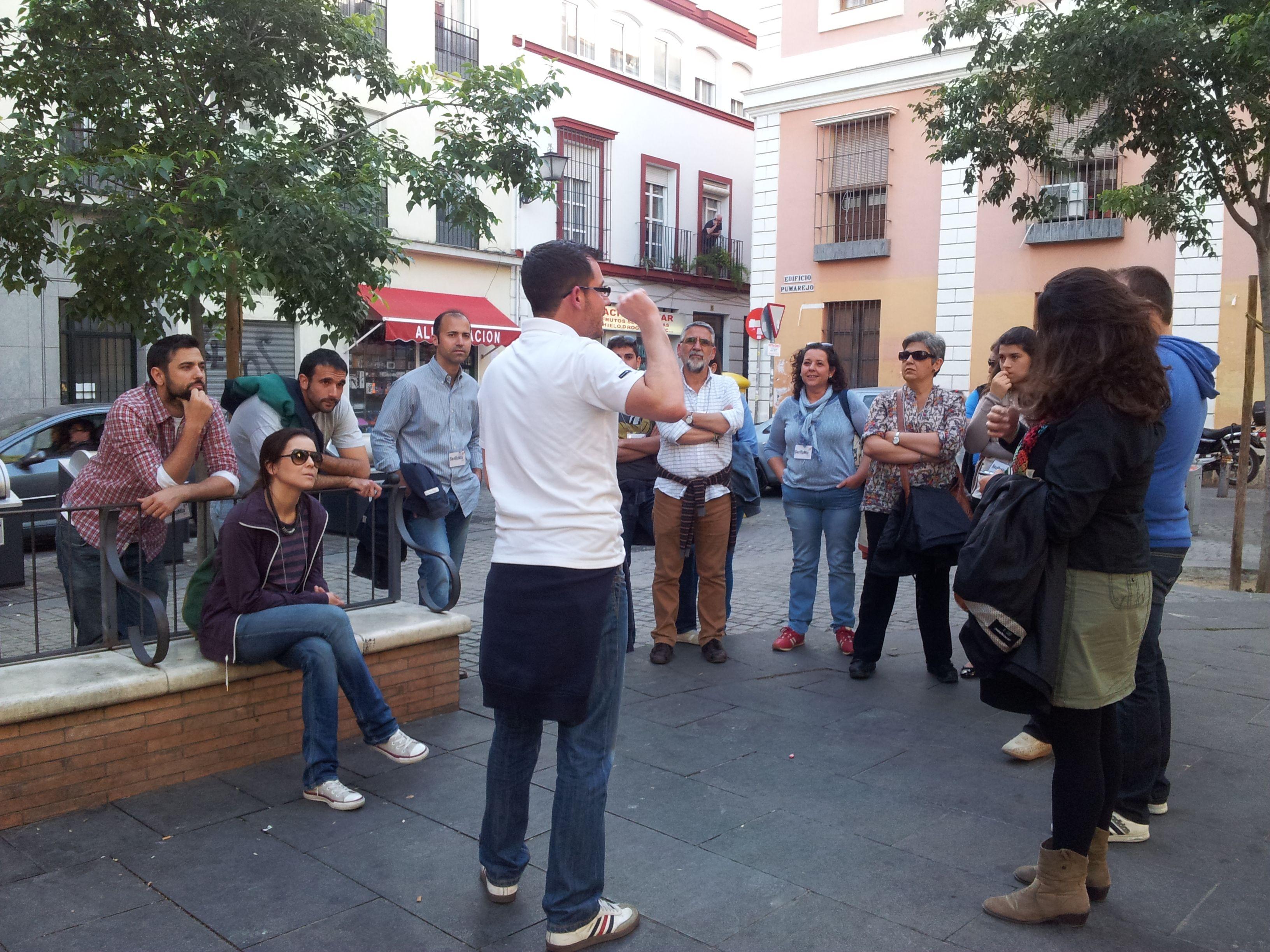 """Plaza del Pumarejo. Descubriendo su origen en """"Macarena Milenaria"""" sevillamiatours.com"""