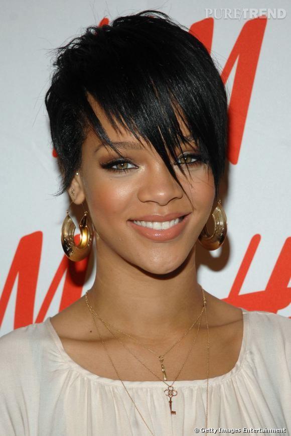 Afficher L Image D Origine Rihanna Hairstyles Celebrity Short Hair Short Hair Styles