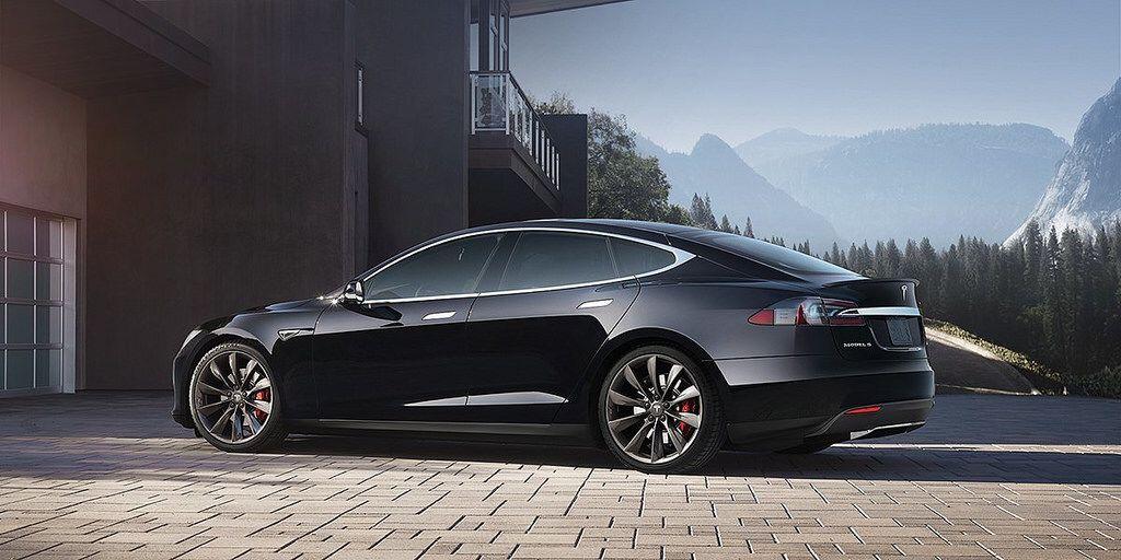 Model S Via Tesla Met Afbeeldingen Park