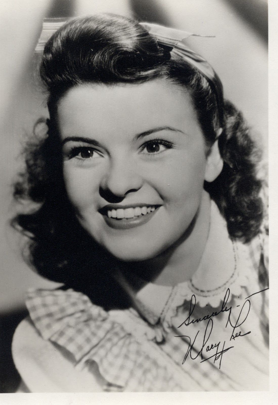 Mary Lee (actress)