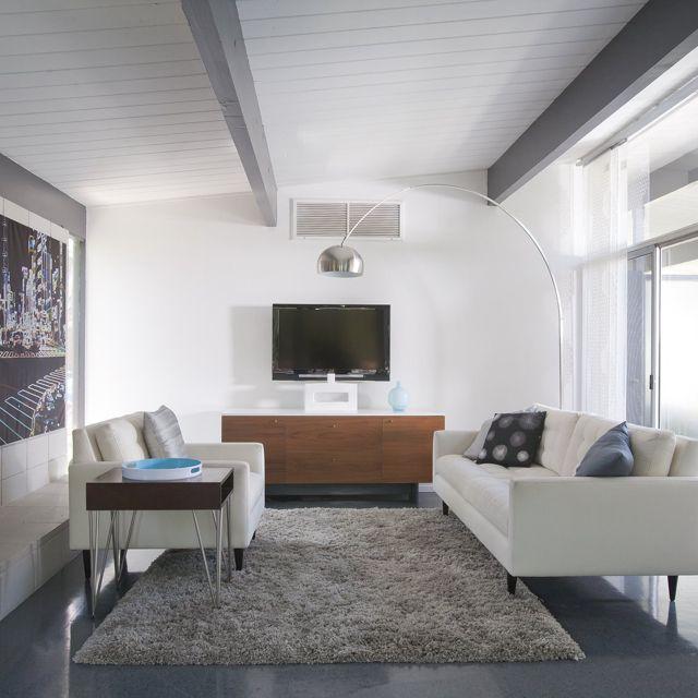 Modern Gray Exterior With Steel Beams: Eichler. Grey Beams. Grey Shag