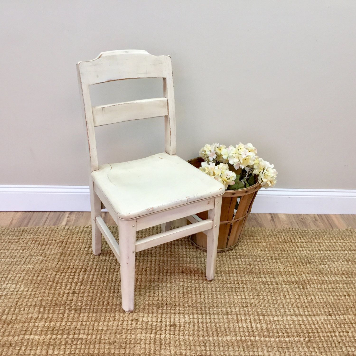 Let This Antique Kids School Chair Add Lots Of Character And A Nostalgic Flair To Your Interior It Was Built Strong And Sturdy By The Gunlocke Kids Desk Chair