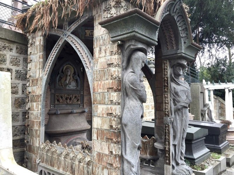 Les Plus Belles Tombes Du Pere Lachaise Pere Lachaise Cimetiere Pere Lachaise Art Du Cimetiere