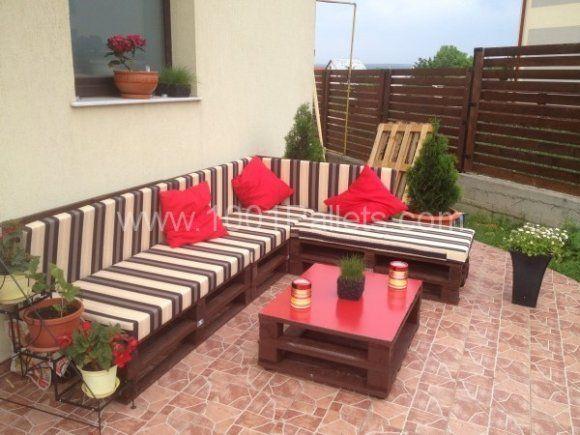3 steps to make this pallet sofa sof reciclado y palets for Sofa exterior reciclado