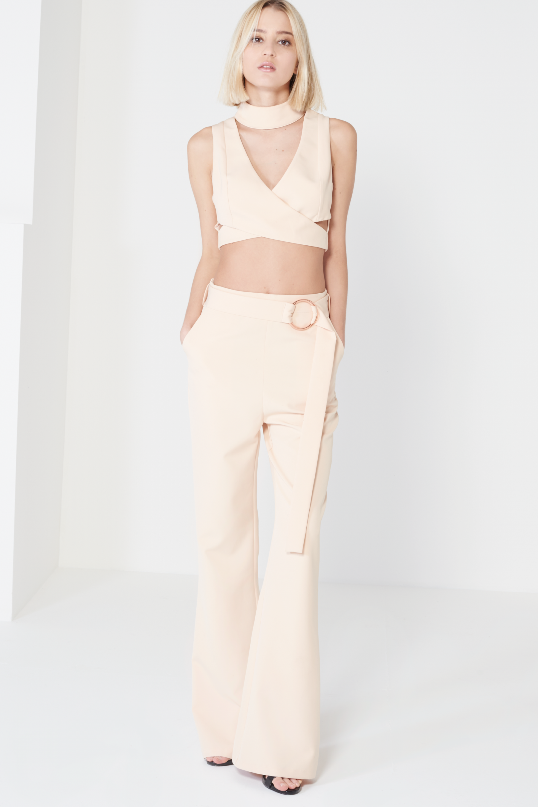 df248161d7e20a Nude Keyhole High Neck Crossover Crop Top | женские костюмы | Crop ...