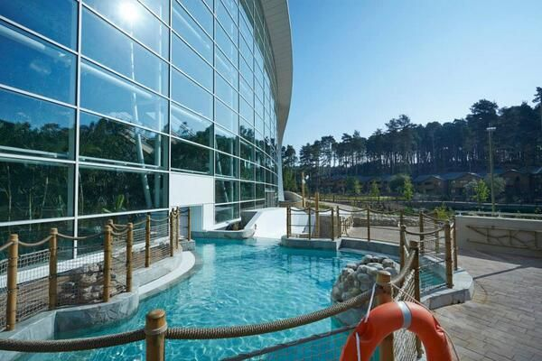 Center parcs woburn forest opening weekend with images for Woburn showcase