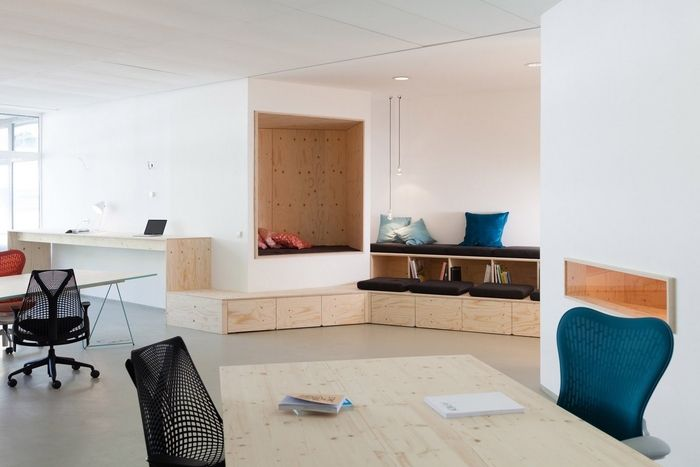 small nook area for a different type of meeting space - WORKPLACE - Different Types Of Interior Design