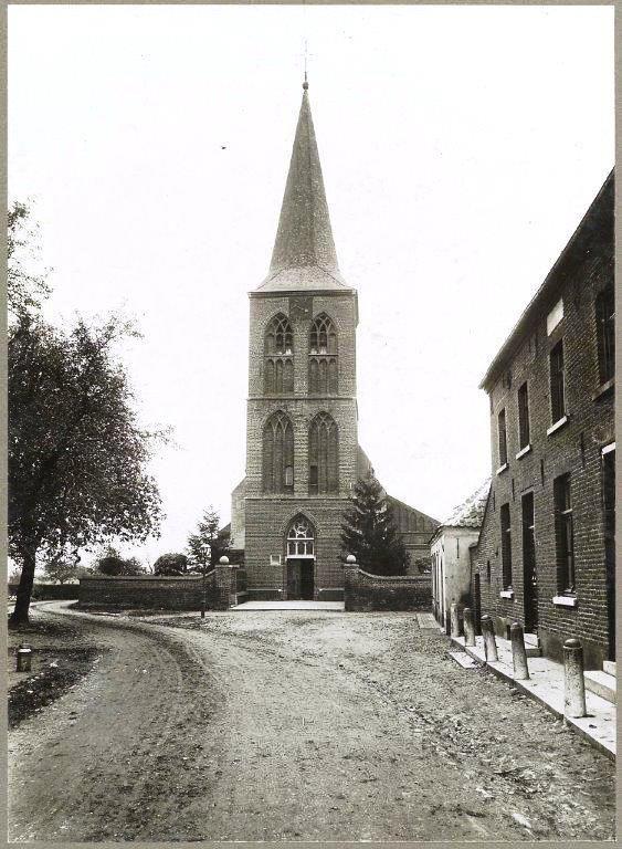 de-kerk-van-Grubbenvost-van-voor-de-oorlog.jpg (563×768)